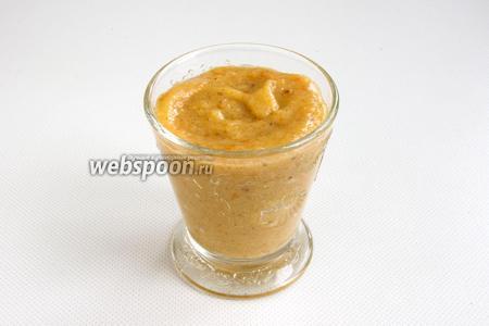 Напиток готов. При подаче можно посыпать смузи молотый корицей или тёртым мускатным орехом.