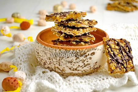 Десерт из мацы с карамелью и орехами