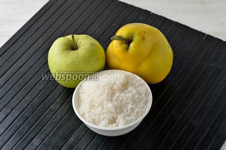 Для работы нам понадорбится айва, яблоки и сахар.