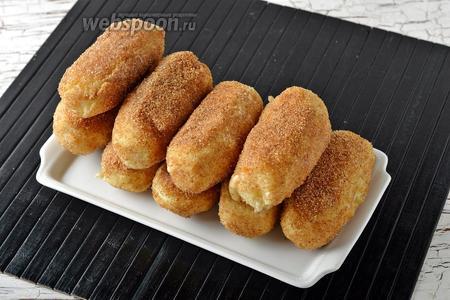 Картофельные палочки с сыром готовы.