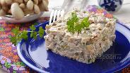 Фото рецепта Салат с вёшенками и курицей