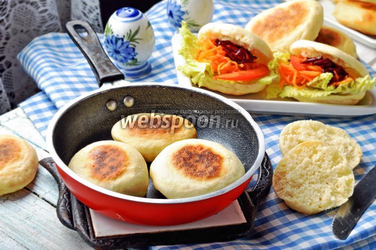 Фото Дрожжевые булочки на сковороде
