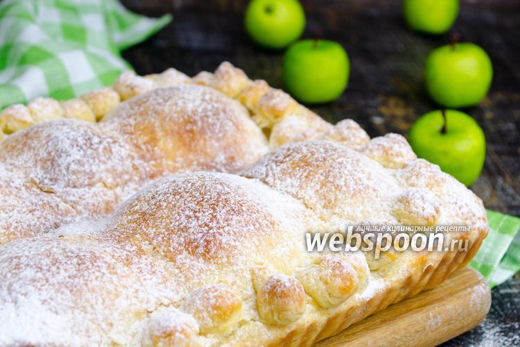 Фото Пирог с половинками яблок