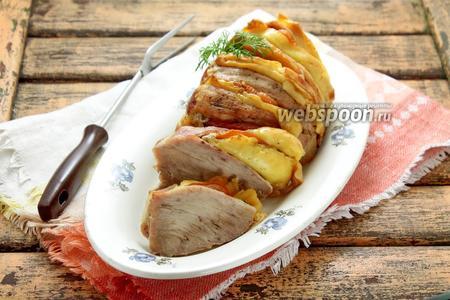 Свинина гармошкой с помидорами и сыром