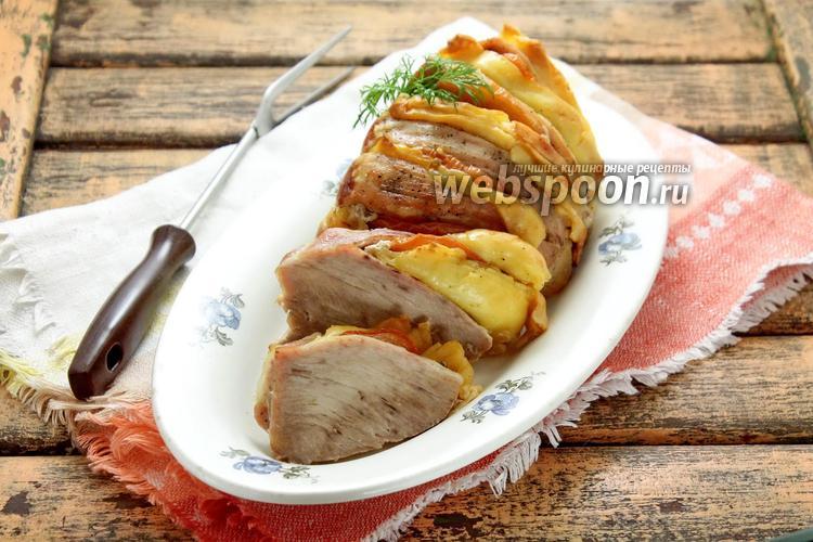 Фото Свинина гармошкой с помидорами и сыром