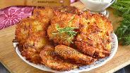 Фото рецепта Драники с колбасой