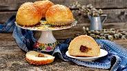 Фото рецепта Дрожжевые булочки с изюмом