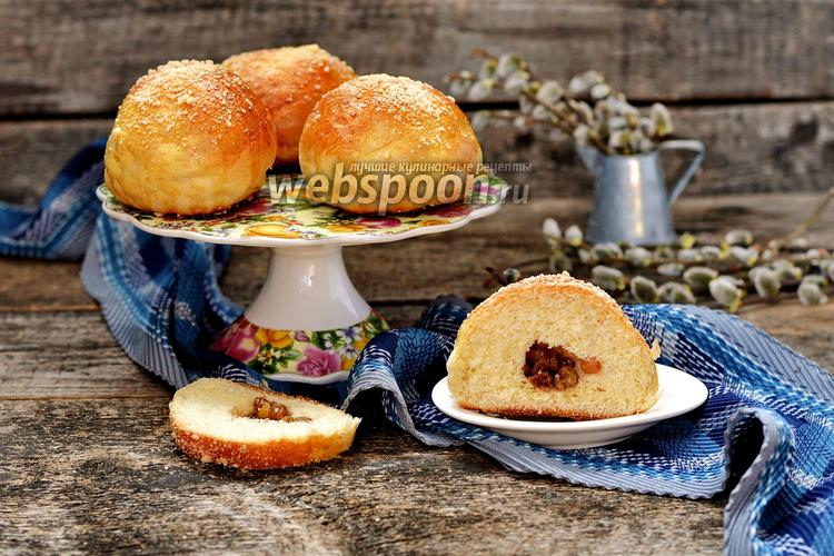 Фото Дрожжевые булочки с изюмом