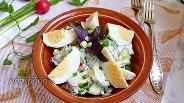 Фото рецепта Салат из редиса с огурцом и яйцом