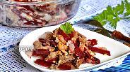 Фото рецепта Салат с грибами и свёклой