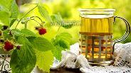 Фото рецепта Чай из листьев смородины и малины
