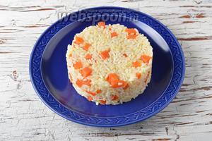 Морковь тушёная с рисом готова.