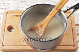 Довести, помешивая, до кипения и проварить 4-5 минут до загустения (не переставая помешивать). Охладить. Таким образом мы получим основу для рисового молока. Она хранится в холодильнике.
