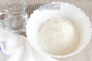 Основные ингредиенты, которые потребуются для приготовления сейтана: вода питьевая и мука пшеничная.