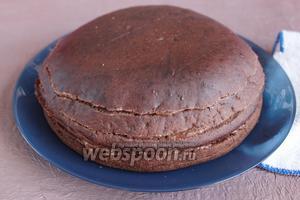 Торт готов, можно украсить на свой вкус.