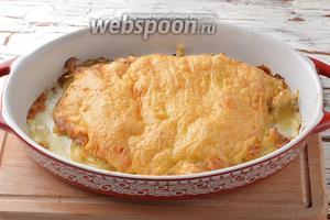 Готовить в предварительно разогретой до 180°С духовке 40 минут. Курица по-французски готова.