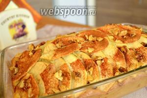 Пирог готов! Последний штрих — присыпаем пирог сахарной пудрой по вкусу. Приятного аппетита!