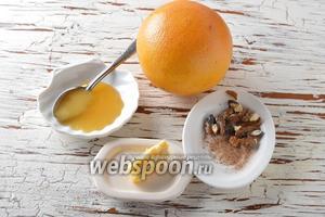 Для работы нам понадобится грейпфрут, корица молотая, мёд, грецкие орехи, сливочное масло.