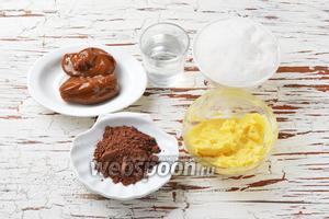 Для работы нам понадобится варёное сгущённое молоко, сливочное масло, сахар, вода, порошок какао.