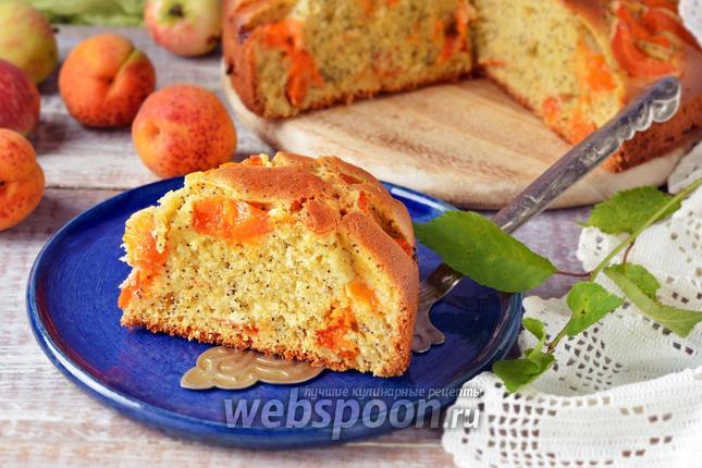 Фото Пирог с абрикосами и яблоками
