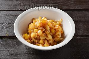 Жареный с кабачками картофель готов.