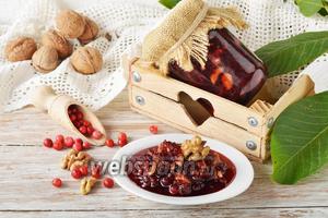 Варенье из брусники с орехами