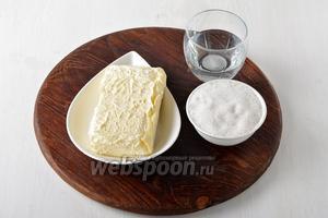 Для работы нам понадобится сливочное масло, сахар и вода.
