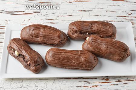 Шоколадные эклеры готовы.