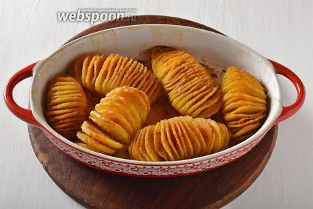 Картофель готов к подаче.