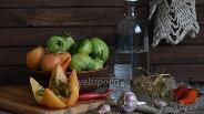 Фото рецепта Зелёные помидоры солёные под бочковые