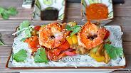 Фото рецепта Рисовая лапша с овощами и королевскими креветками