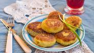 Фото рецепта Котлетки из цветной капусты и адыгейского сыра