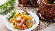 Фото рецепта Картошка с сосисками в горшочках в духовке