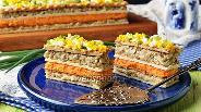 Фото рецепта Селёдочный торт на вафельных коржах