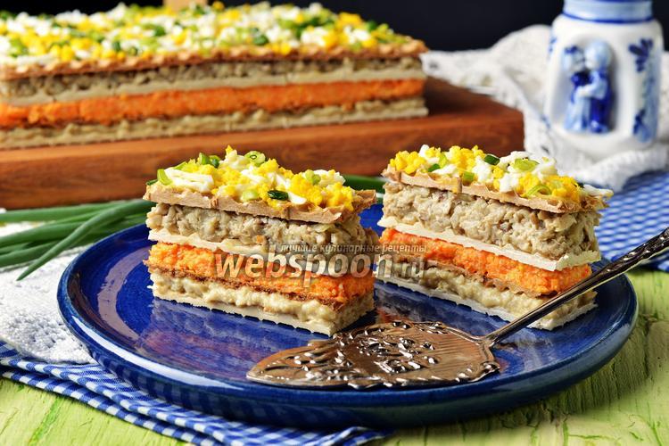 Фото Селёдочный торт на вафельных коржах