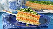 Фото рецепта Вафельный торт с консервами