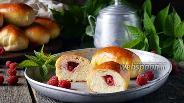 Фото рецепта Пирожки с малиной в духовке