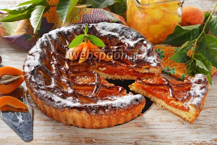 Фото Пирог с абрикосовым вареньем