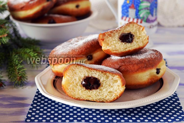 Фото Пончики с шоколадной начинкой
