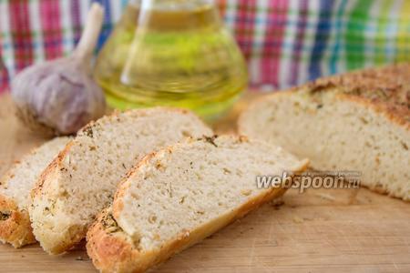 Хлеб без закваски с чесночной корочкой
