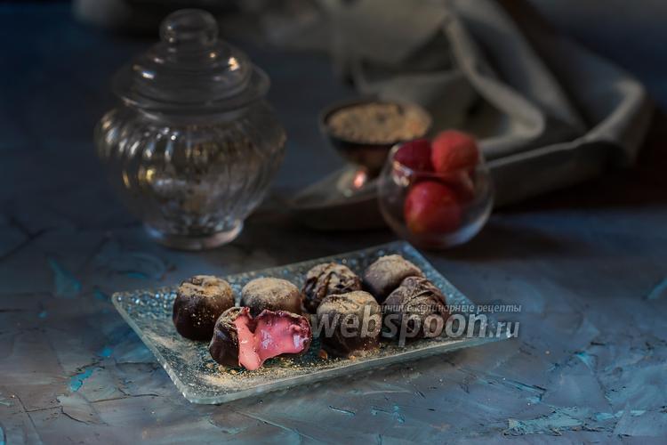 Фото Клубничные конфеты с двойным шоколадом