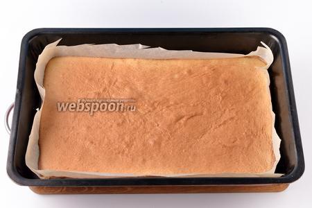 Выпекать при 180°С приблизительно 12-15 минут до готовности бисквита.
