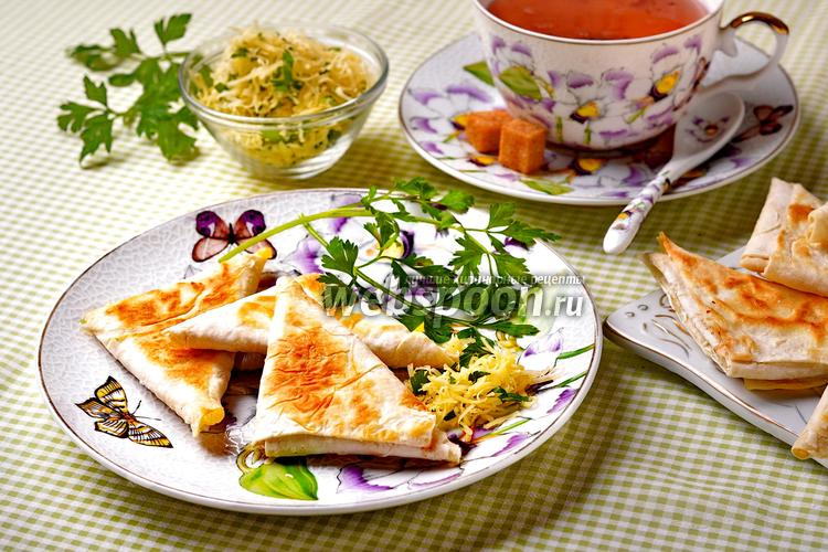 Фото Лаваш с сыром на сковороде
