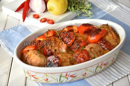 Поставить форму в разогретую до 200°C духовку на 10 минут.