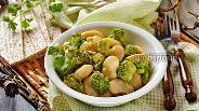 Фото рецепта Салат из брокколи и фасоли