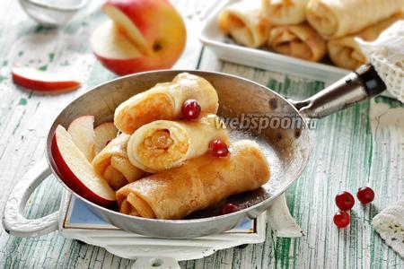 Постные блинчики с яблоками