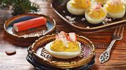 Фото рецепта Яйца фаршированные крабовыми палочками