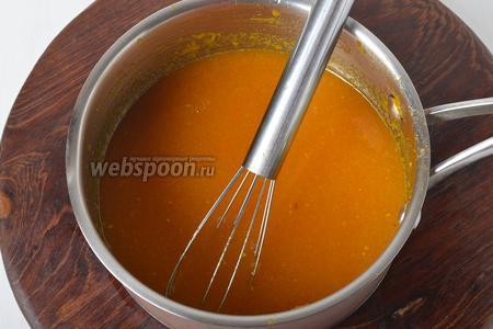 В горячую массу, тонкой струйкой, вмешать 20 грамм быстрорастворимого желатина (мешать до полного растворения желатина). Остудить до комнатной температуры.