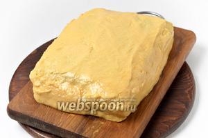 5 частью крема смазать бока торта.