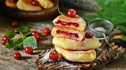 Фото рецепта Жареные пирожки с вишней